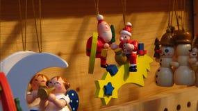 Santa Claus Christmas Tree Ornament de madeira com estrela Imagens de Stock Royalty Free