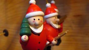 Santa Claus Christmas Tree Ornaments de madeira Fotografia de Stock Royalty Free