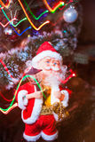 Santa Claus com festão foto de stock royalty free