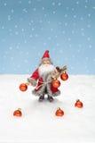 Santa Claus con le palle di natale Fotografia Stock