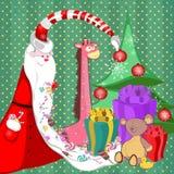 Santa Claus con los dulces en un árbol largo de la barba con los regalos y los juguetes Fotos de archivo libres de regalías