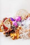 Santa Claus con un pupazzo di neve Immagini Stock Libere da Diritti