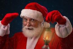 Santa Claus curiosa fotos de stock