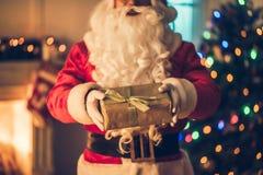 Santa Claus dans sa résidence image libre de droits