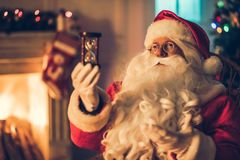 Santa Claus dans sa résidence photos stock