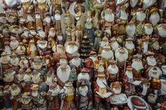 Santa Claus de madeira na loja Foto de Stock