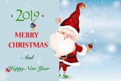 Santa Claus de sorriso feliz que está atrás de um sinal vazio, mostrando a um ltht grande o sinal vazio Cartão de Natal ilustração royalty free