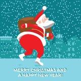 Santa Claus divertente con i regali che ballano la torsione, Immagine Stock Libera da Diritti