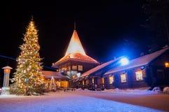 Santa Claus-' Dorf in Finnland lizenzfreie stockbilder