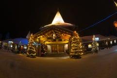 Santa Claus-' Dorf in Finnland stockbilder