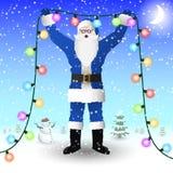 Santa Claus em um terno azul está guardando uma festão da iluminação do ` s do ano novo em suas mãos ilustração stock