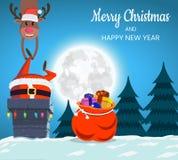Santa Claus en de herten op het dak dalen in de schoorsteen Stock Afbeelding
