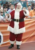 Santa Claus en el partido del NFL fotos de archivo