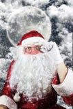 Santa Claus en la noche de la Navidad Fotos de archivo libres de regalías