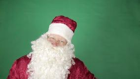 Santa Claus está bailando almacen de video