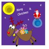 Santa Claus et renne avec des cadeaux Carte de Noël Images stock