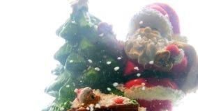 Santa Claus Father Christmas auf schneebedeckter Straße stock video