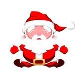 Santa Claus feliz con los brazos abiertos que se sientan en un fondo blanco Fotos de archivo