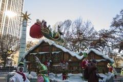 Santa Claus Float dans le défilé de Macy's quatre-vingt-dix-septième Images libres de droits