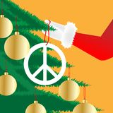 Santa Claus Hangs ein Friedenssymbol Stockfotografie