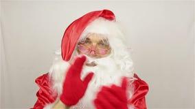 Santa Claus heet welkom stock videobeelden
