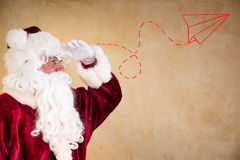 Santa Claus-het vooruitzien Stock Foto's