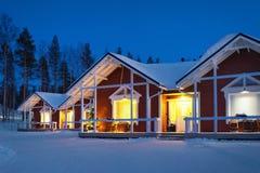 Santa Claus Holiday Village Houses em Lapland Escandinávia imagens de stock