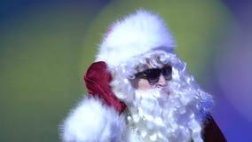 Santa Claus Listening Secret en el club de noche, interior metrajes