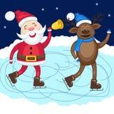 Santa Claus med hjortskridskon på isbanan Royaltyfri Bild