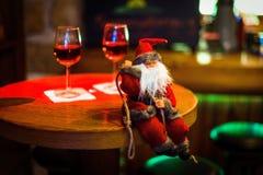 Santa Claus, Natale, celebrazione, barra del cocktail, ristorante fotografia stock