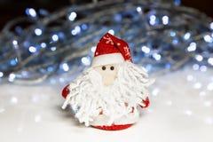 Santa Claus o padre Frost con le luci di Natale Immagine Stock