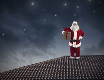 Santa Claus op een dak royalty-vrije stock foto
