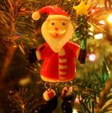 Santa Claus Ornament en árbol Foto de archivo libre de regalías