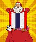 Santa Claus ottiene la bandiera nazionale della Tailandia dalla borsa con i giocattoli nello stile di Pop art Illustrazione del n royalty illustrazione gratis