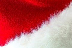 Santa Claus ou chapeau rouge de Noël sur le fond blanc Image libre de droits