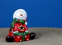 Santa Claus på en blå bakgrund Royaltyfria Foton