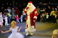 Santa Claus på etapp Arkivbilder