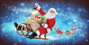 Santa Claus på hans pulka arkivbilder