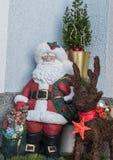 Santa Claus pintado à mão como uma decoração foto de stock