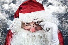 Santa Claus Portrait en la noche de la Navidad Imágenes de archivo libres de regalías