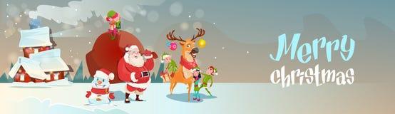 Santa Claus With Reindeer Elfs Gift säck som kommer att inhysa banret för glad jul för lyckligt nytt år Royaltyfri Foto
