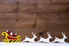 Santa Claus Sled, renne, neige, l'espace de copie Photos stock