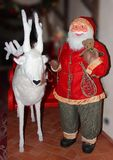 Santa Claus som är klar att gå Royaltyfria Bilder