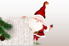 Santa Claus sonriente feliz que se coloca detrás de una muestra en blanco, mostrando una muestra de madera grande Tarjeta de Navi ilustración del vector