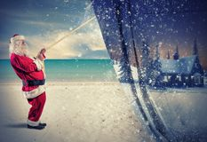 Santa Claus trekt de winter Royalty-vrije Stock Afbeeldingen