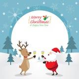 Santa Claus und Ren, die Champagne, Rahmen trinken Lizenzfreies Stockfoto
