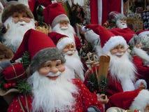 Santa Claus väntande på försäljningar i höst arkivbilder