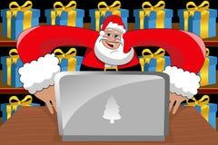 Santa Claus Working Computer Desk Xmas-Geschenke Stockbilder