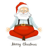 Santa Claus Yogi Sedendosi nella posizione di yoga Fotografia Stock Libera da Diritti