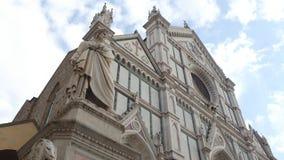 Santa Croce Basilica im historischen Stadtzentrum O Florence Santa Croce di Firenze - Toskana stock footage